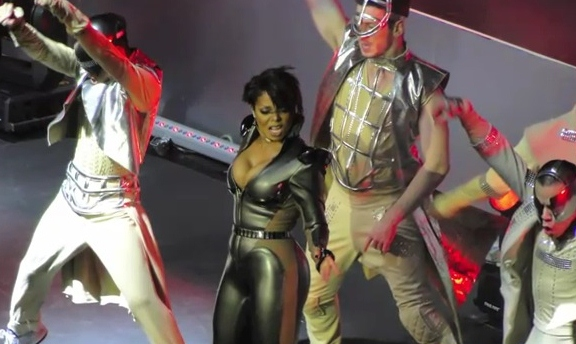 Amazing performance from Ms. Jackson!!! (video & photo highlights)